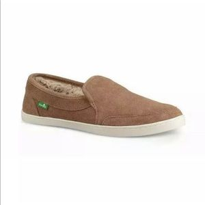 TOBACCO SANUK PAIR O DICE CHILL SUEDE SLIP-ON NWT
